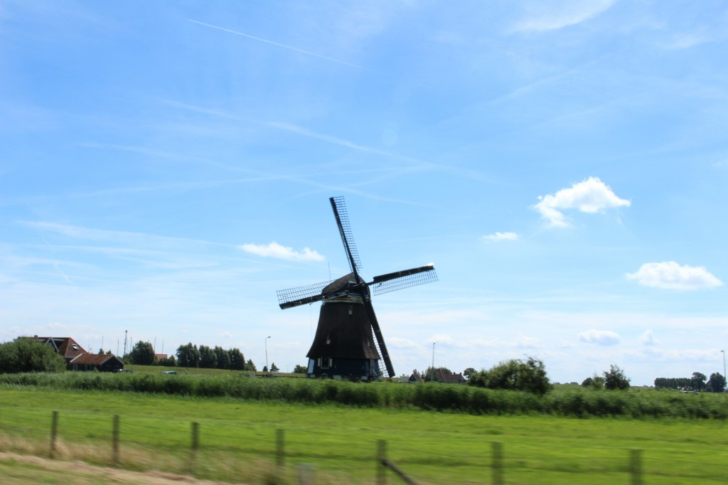 Windmill when leaving Volendam
