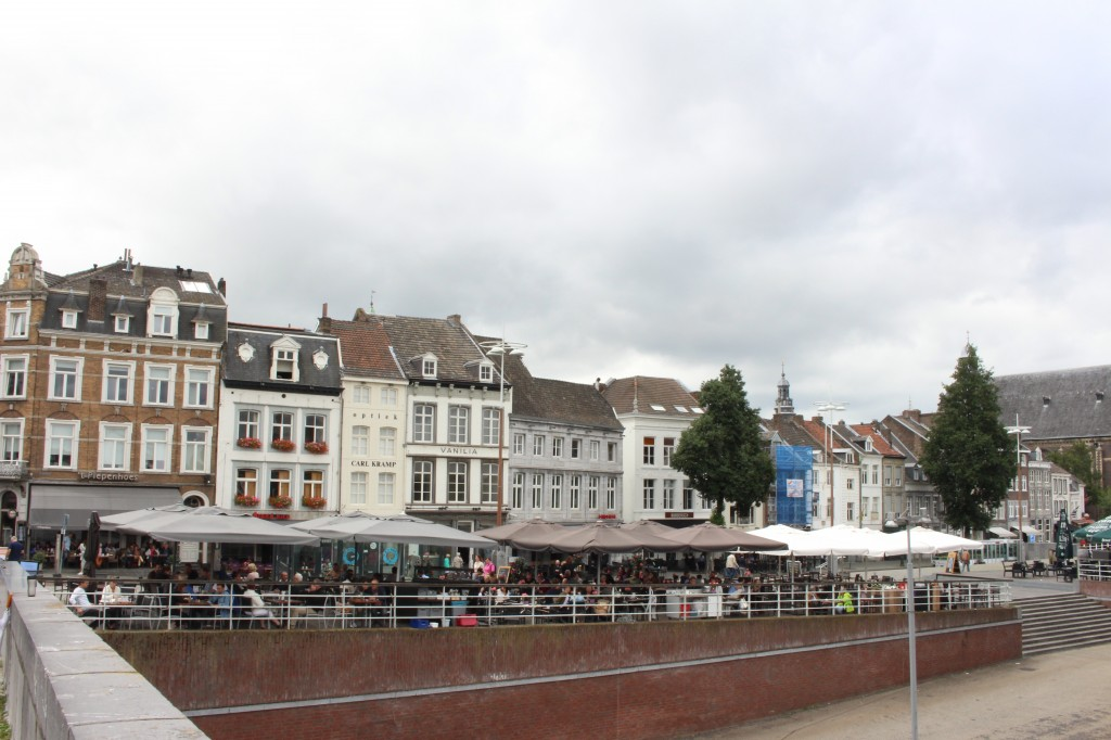 Buildings that can be seen when crossing the bridge into the centre of Maastricht